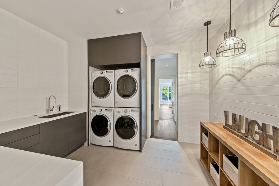 Real Estate Photography - 610 S Oak St, Hinsdale, IL, 60521 - Laundry Room