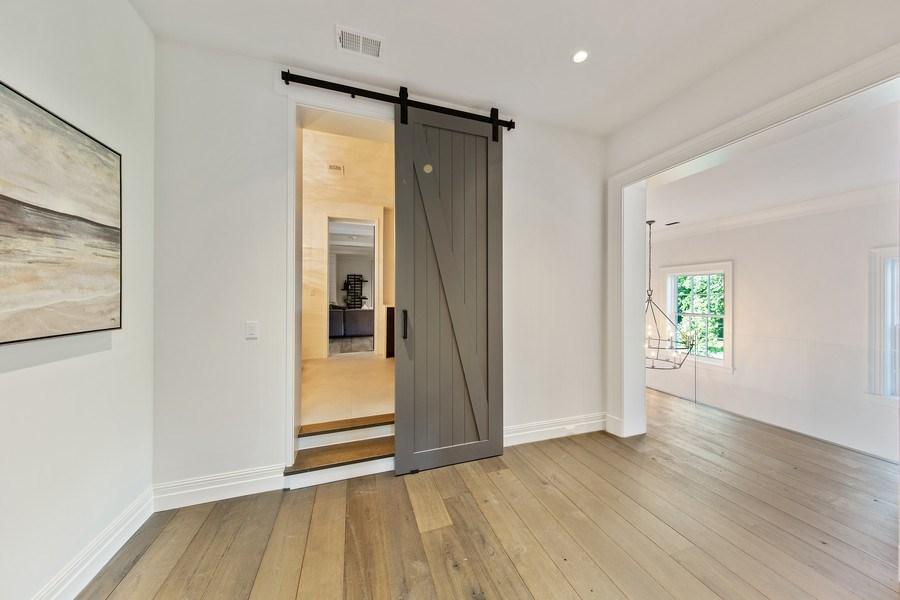 Real Estate Photography - 610 S Oak St, Hinsdale, IL, 60521 - Hallway