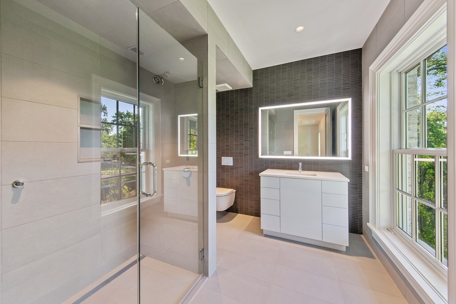 Real Estate Photography - 610 S Oak St, Hinsdale, IL, 60521 - 2nd Bathroom