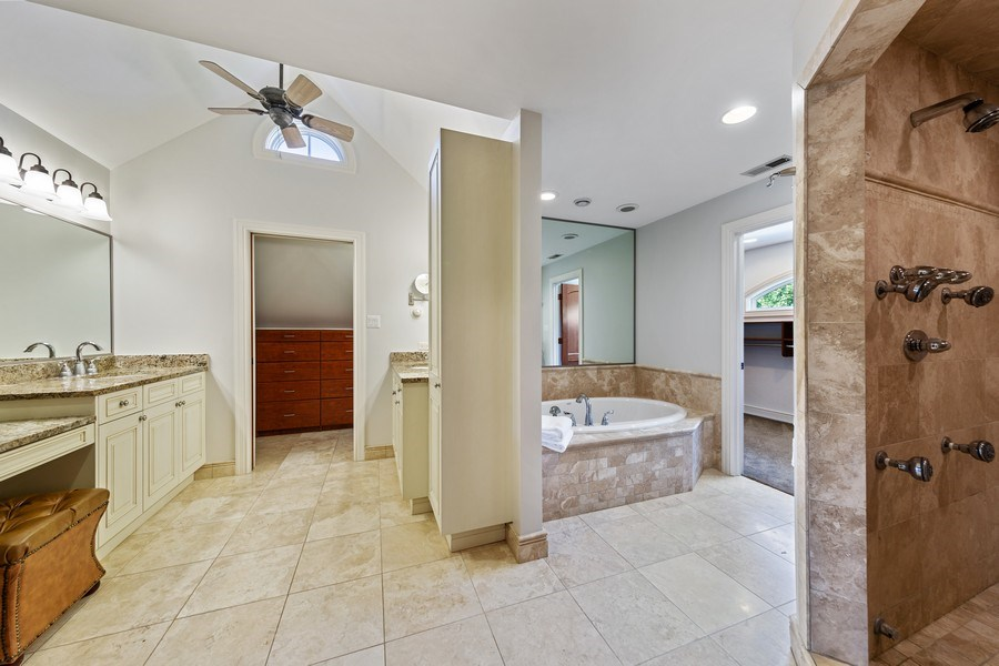 Real Estate Photography - 6012 Sedgley Ct, Burr Ridge, IL, 60527 - Master Bathroom