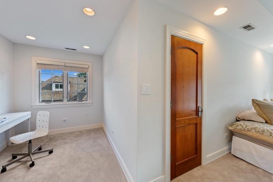 Real Estate Photography - 6012 Sedgley Ct, Burr Ridge, IL, 60527 - Bedroom