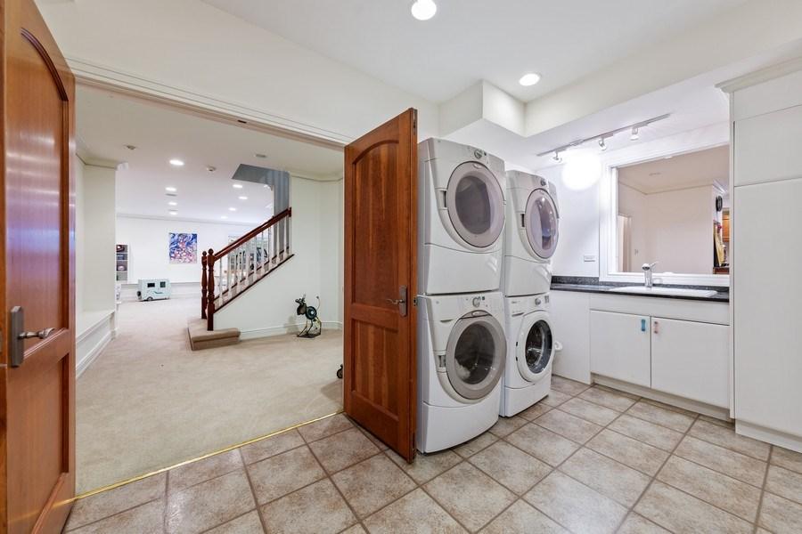 Real Estate Photography - 6012 Sedgley Ct, Burr Ridge, IL, 60527 - Laundry Room