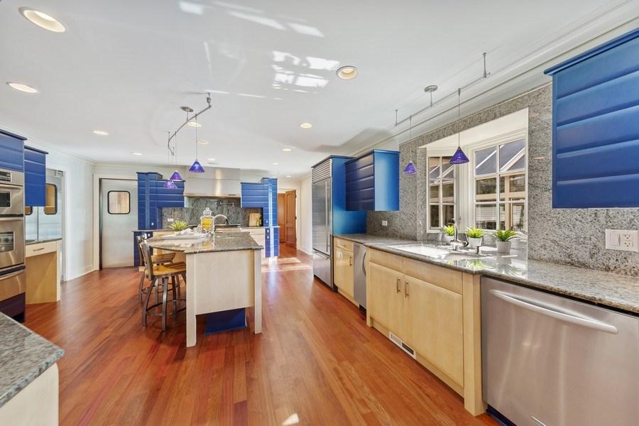 Real Estate Photography - 6012 Sedgley Ct, Burr Ridge, IL, 60527 - Kitchen