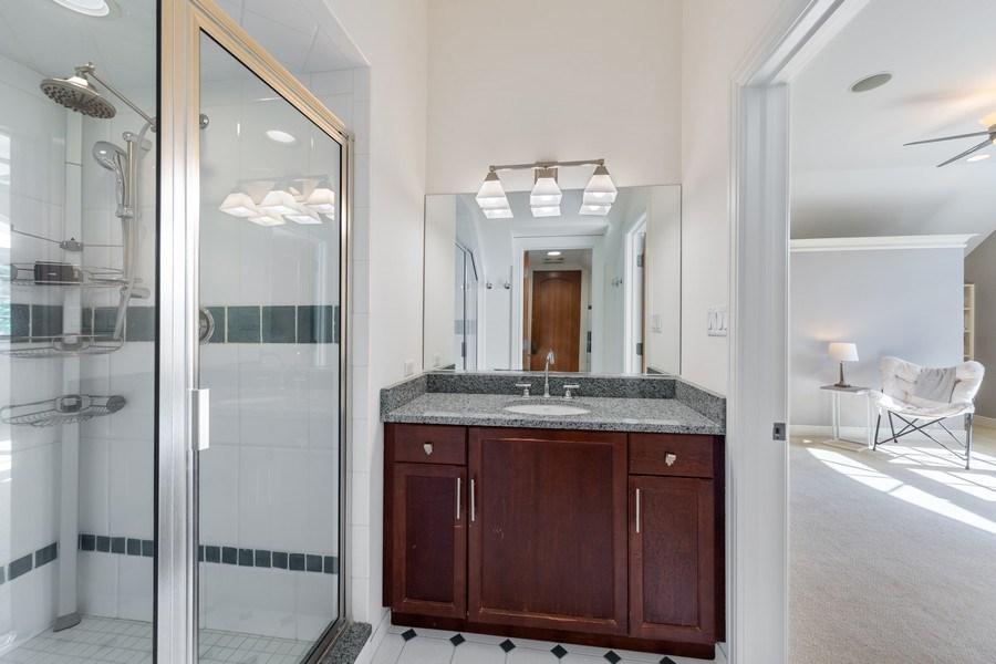 Real Estate Photography - 6012 Sedgley Ct, Burr Ridge, IL, 60527 - Bathroom