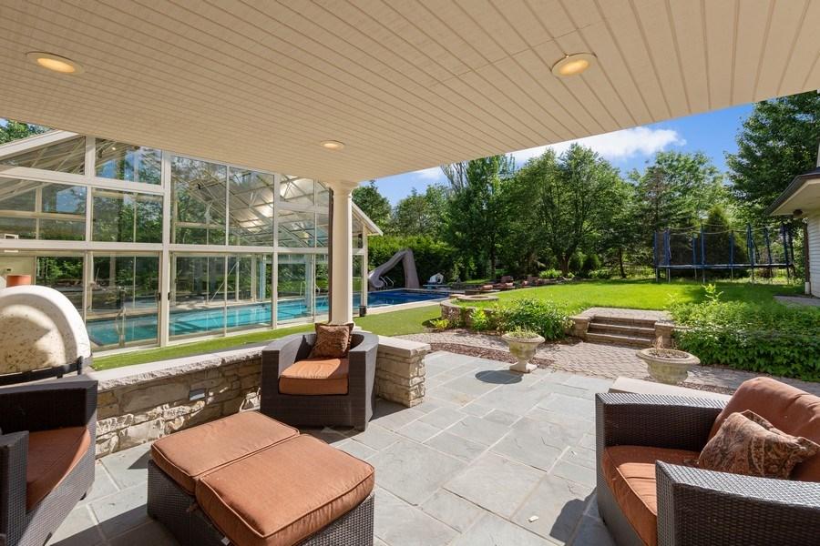 Real Estate Photography - 6012 Sedgley Ct, Burr Ridge, IL, 60527 - Patio