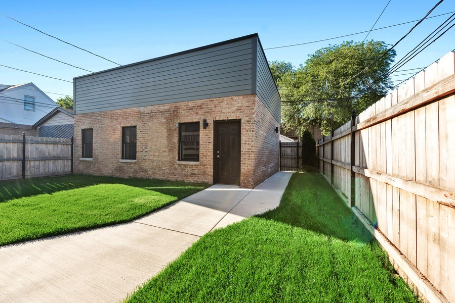 Real Estate Photography - 2342 W Melrose St, Chicago, IL, 60618 - Back Yard