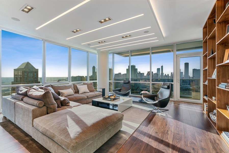Real Estate Photography - 1201 S Prairie, 4201, Chicago, IL, 60605 - Living Room