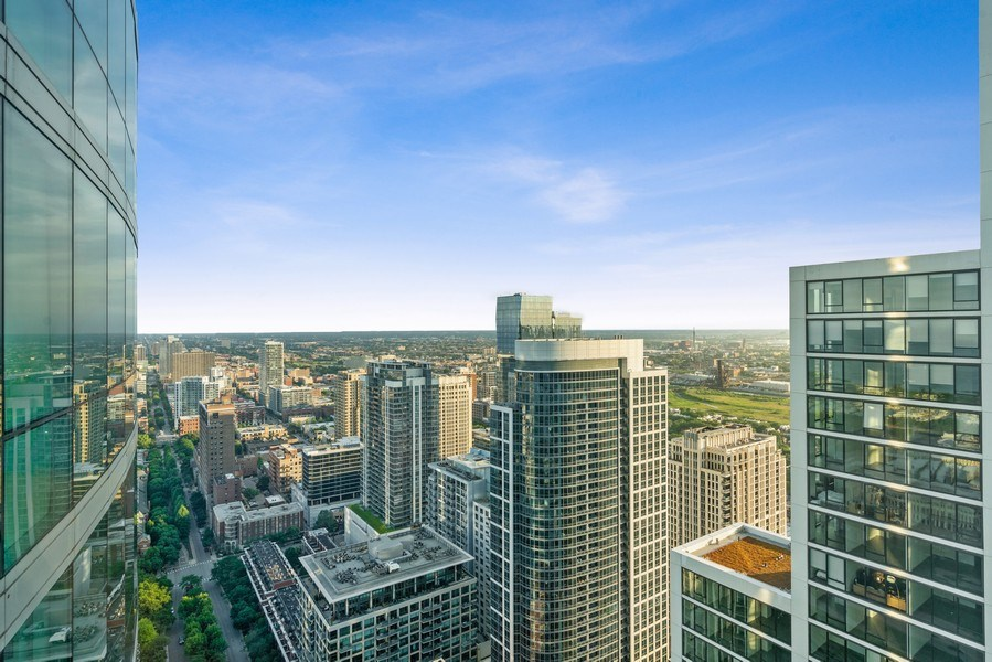 Real Estate Photography - 1201 S Prairie, 4201, Chicago, IL, 60605 - View