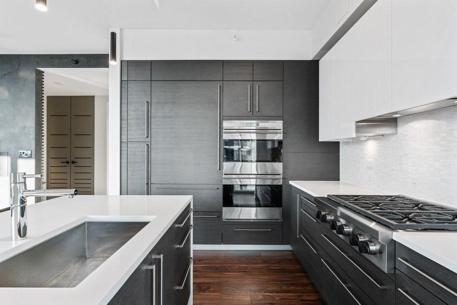 Real Estate Photography - 1201 S Prairie, 4201, Chicago, IL, 60605 - Kitchen