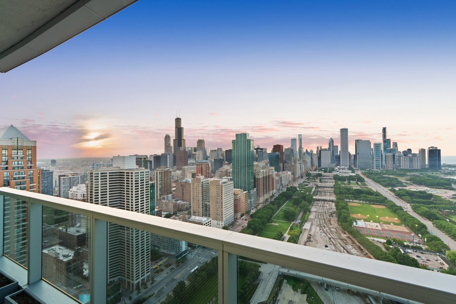 Real Estate Photography - 1201 S Prairie, 4201, Chicago, IL, 60605 - Balcony