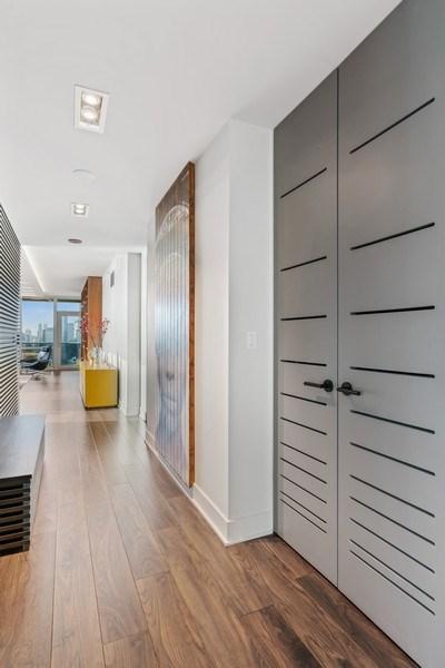 Real Estate Photography - 1201 S Prairie, 4201, Chicago, IL, 60605 - Hallway