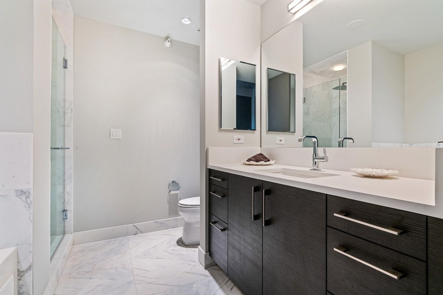 Real Estate Photography - 1201 S Prairie, 4201, Chicago, IL, 60605 - 2nd Bathroom