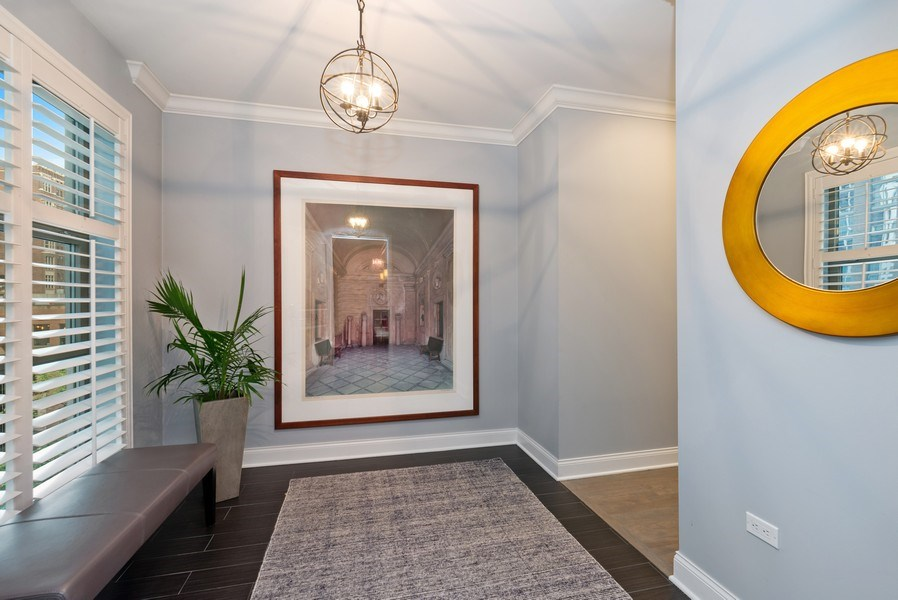 Real Estate Photography - 1035 N Dearborn #6E, Chicago, IL, 60610 - Foyer