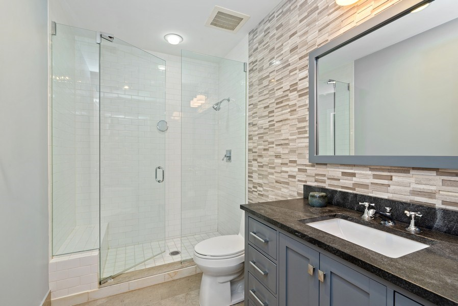 Real Estate Photography - 1035 N Dearborn #6E, Chicago, IL, 60610 - 2nd Bathroom