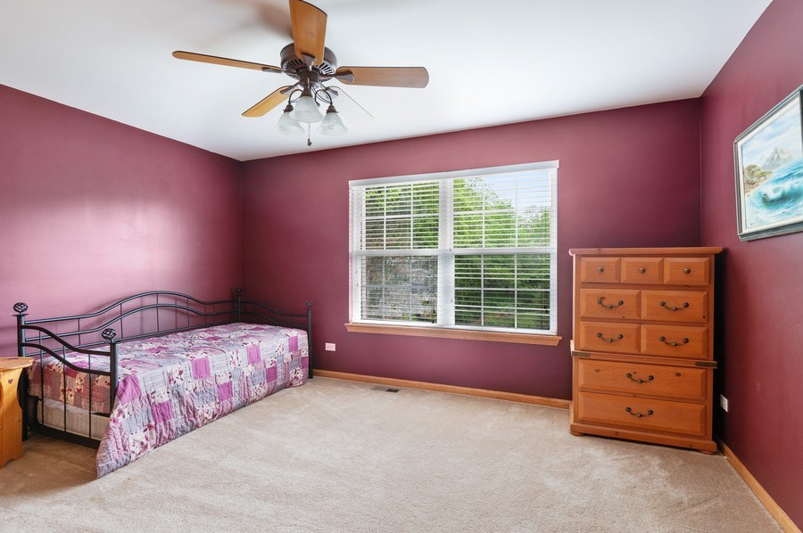 Real Estate Photography - 804 Auburn Ln, Lindenhurst, IL, 60046 - 3rd Bedroom