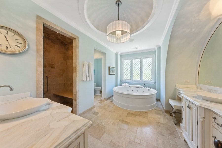 Real Estate Photography - 618 S Park Ave., Hinsdale, IL, 60521 - Master Bathroom