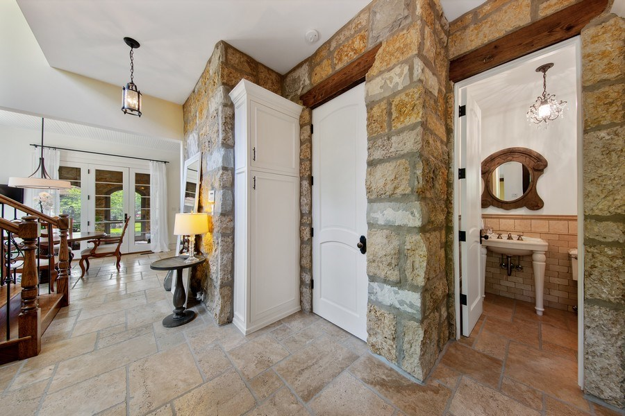 Real Estate Photography - 618 S Park Ave., Hinsdale, IL, 60521 - Powder Room