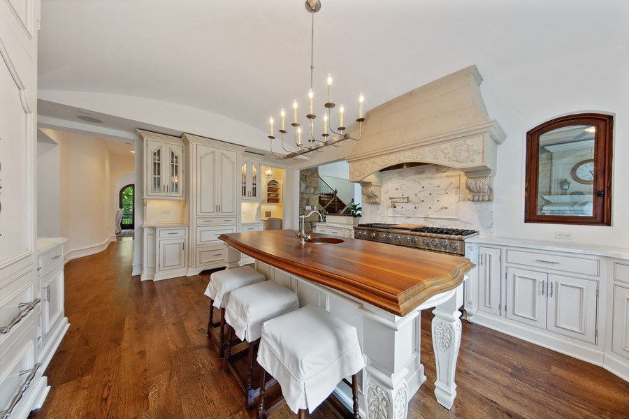 Real Estate Photography - 618 S Park Ave., Hinsdale, IL, 60521 - Kitchen
