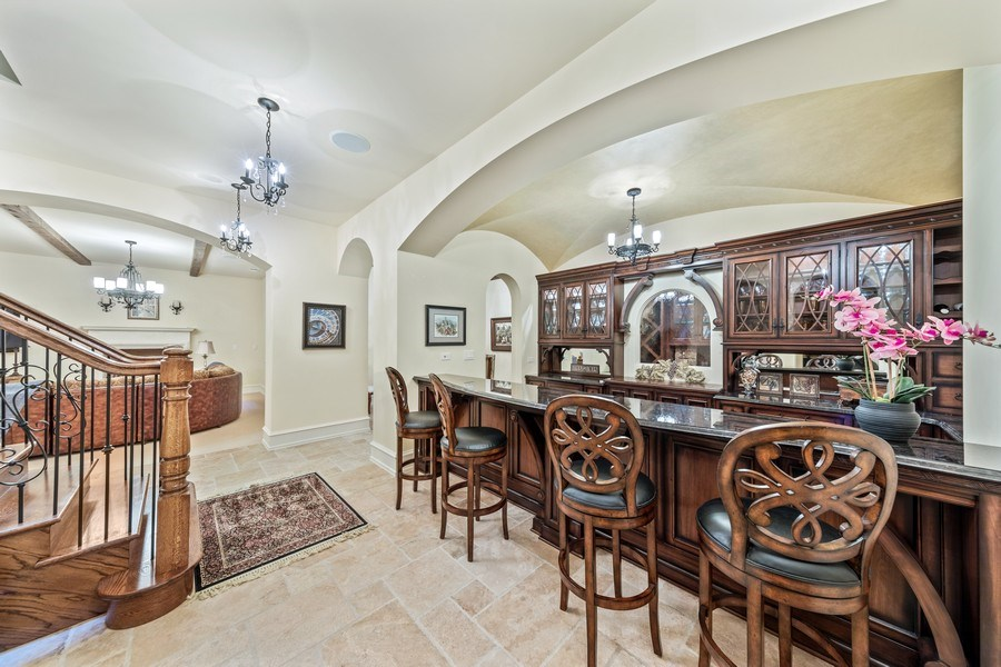 Real Estate Photography - 618 S Park Ave., Hinsdale, IL, 60521 - Bar