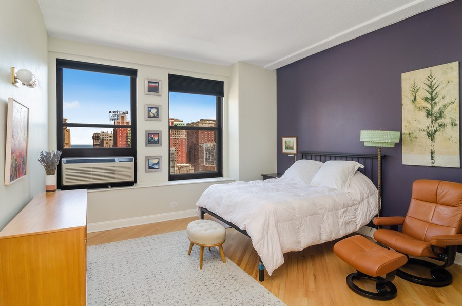 Real Estate Photography - 600 South Dearborn #1402, Chicago, IL, 60605 - Master Bedroom