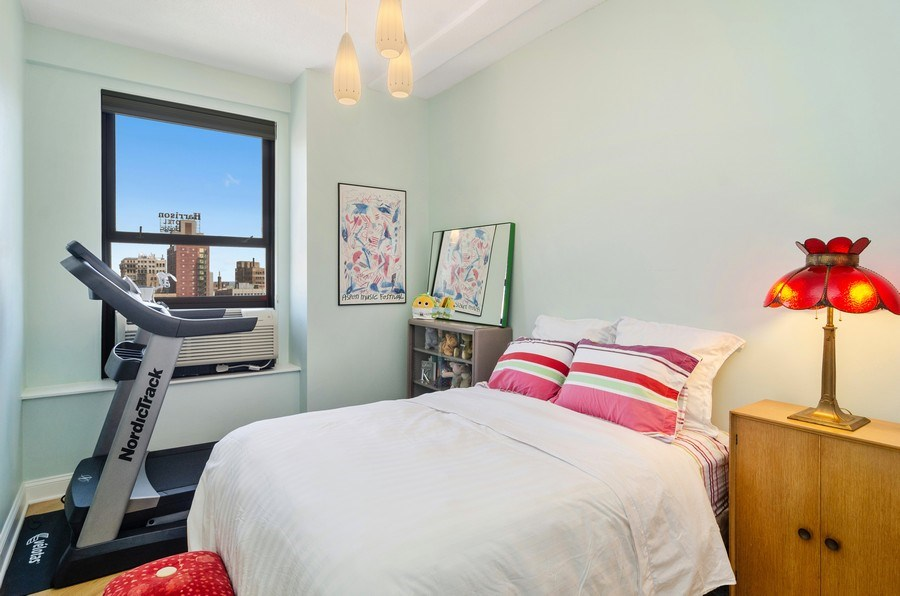 Real Estate Photography - 600 South Dearborn #1402, Chicago, IL, 60605 - 2nd Bedroom
