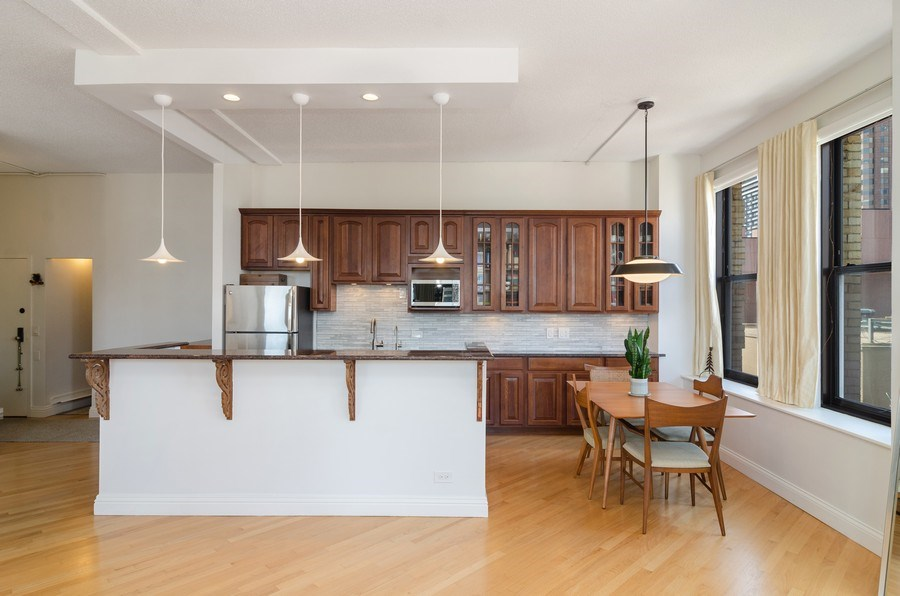 Real Estate Photography - 600 South Dearborn #1402, Chicago, IL, 60605 - Kitchen