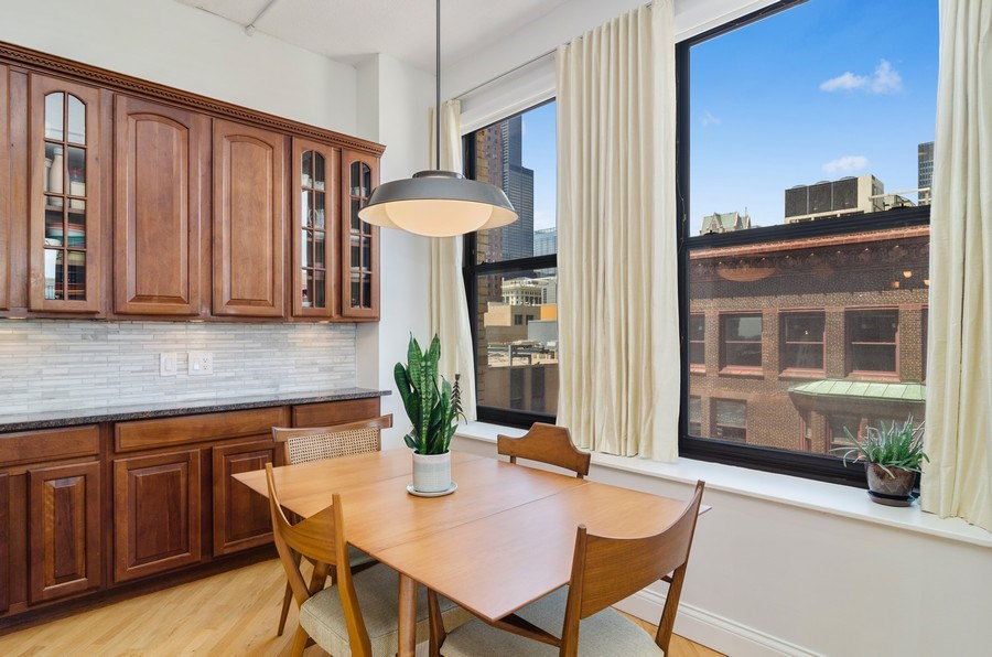 Real Estate Photography - 600 South Dearborn #1402, Chicago, IL, 60605 - Dining Room