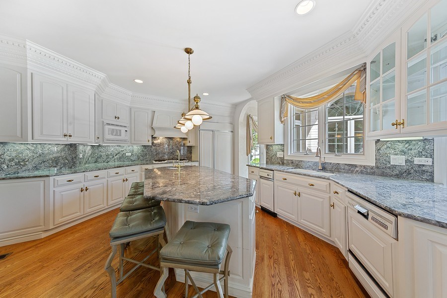Real Estate Photography - 501 Ambriance Dr, Burr Ridge, IL, 60527 - Kitchen