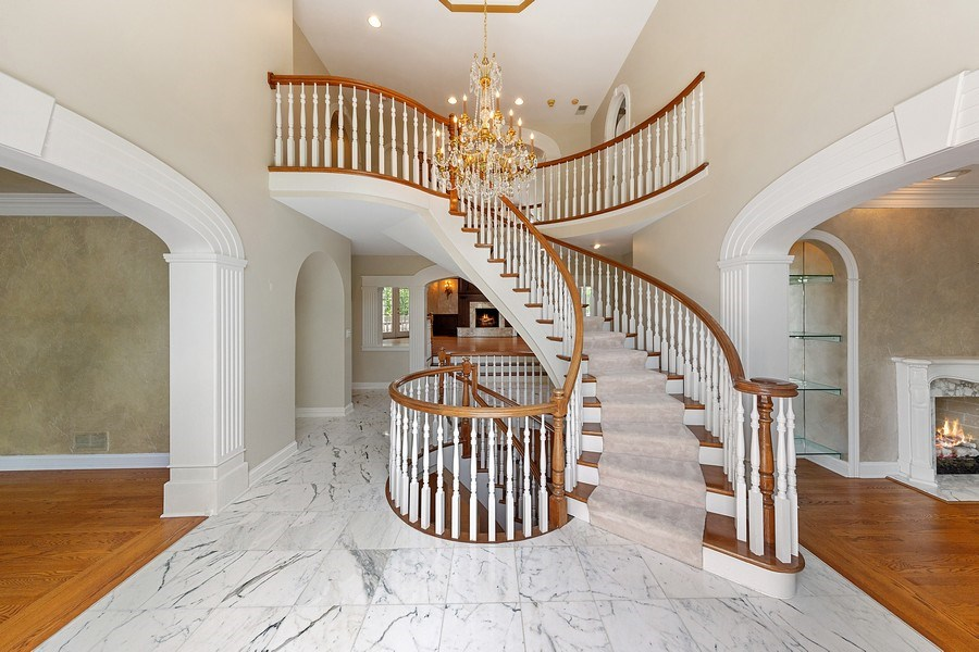 Real Estate Photography - 501 Ambriance Dr, Burr Ridge, IL, 60527 - Foyer