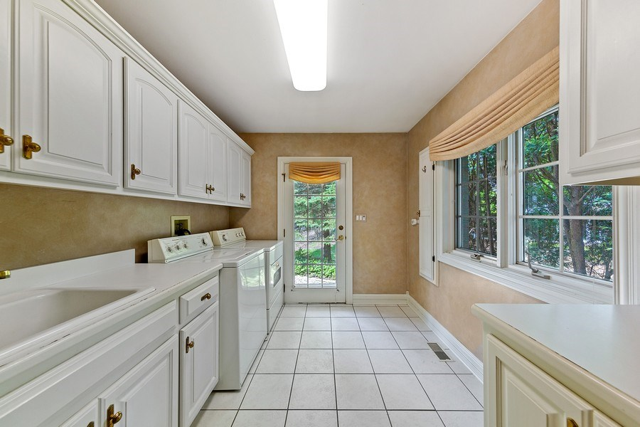Real Estate Photography - 501 Ambriance Dr, Burr Ridge, IL, 60527 - Laundry Room