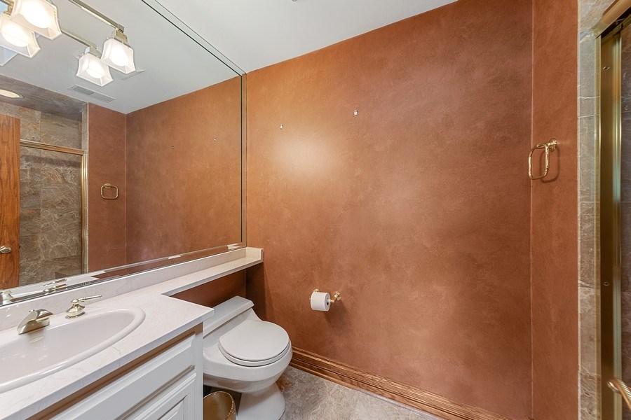 Real Estate Photography - 501 Ambriance Dr, Burr Ridge, IL, 60527 - Bathroom # 4