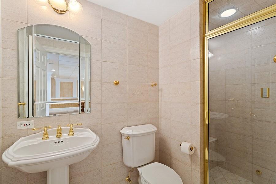 Real Estate Photography - 501 Ambriance Dr, Burr Ridge, IL, 60527 - Bathroom # 5