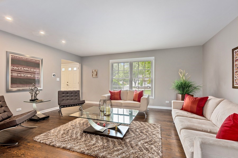 Real Estate Photography - 305 Columbine Drive, Clarendon Hills, IL, 60514 - Living Room