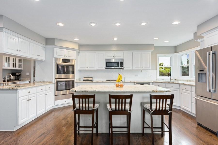 Real Estate Photography - 305 Columbine Drive, Clarendon Hills, IL, 60514 - Kitchen