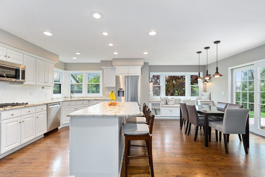 Real Estate Photography - 305 Columbine Drive, Clarendon Hills, IL, 60514 - Kitchen / Breakfast Area