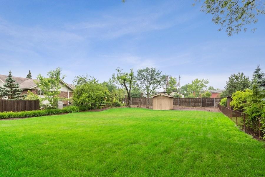 Real Estate Photography - 305 Columbine Drive, Clarendon Hills, IL, 60514 - Back Yard
