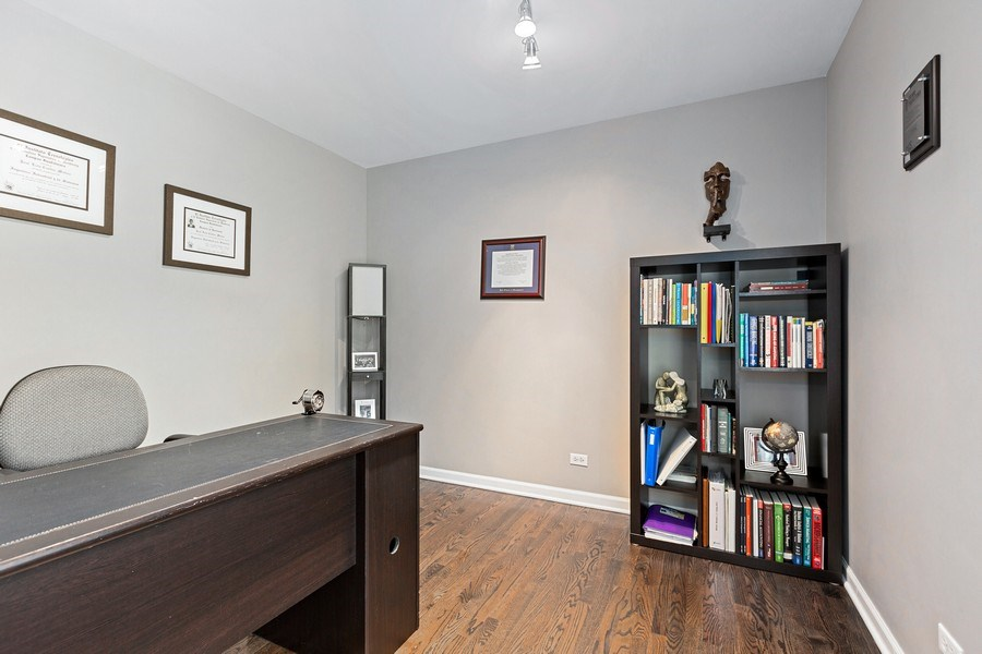 Real Estate Photography - 305 Columbine Drive, Clarendon Hills, IL, 60514 - Office
