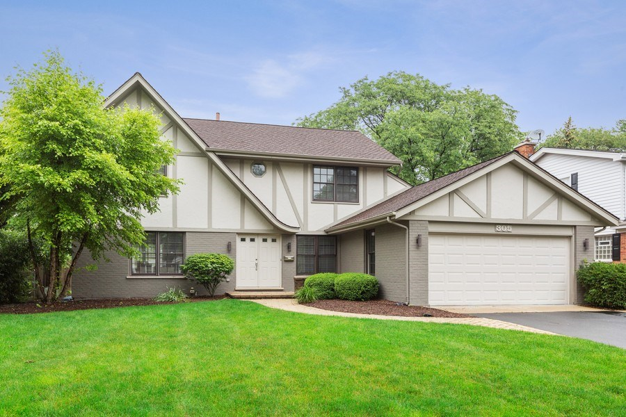 Real Estate Photography - 305 Columbine Drive, Clarendon Hills, IL, 60514 - Front of Home