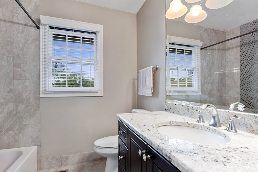 Real Estate Photography - 305 Columbine Drive, Clarendon Hills, IL, 60514 - Family Bathroom