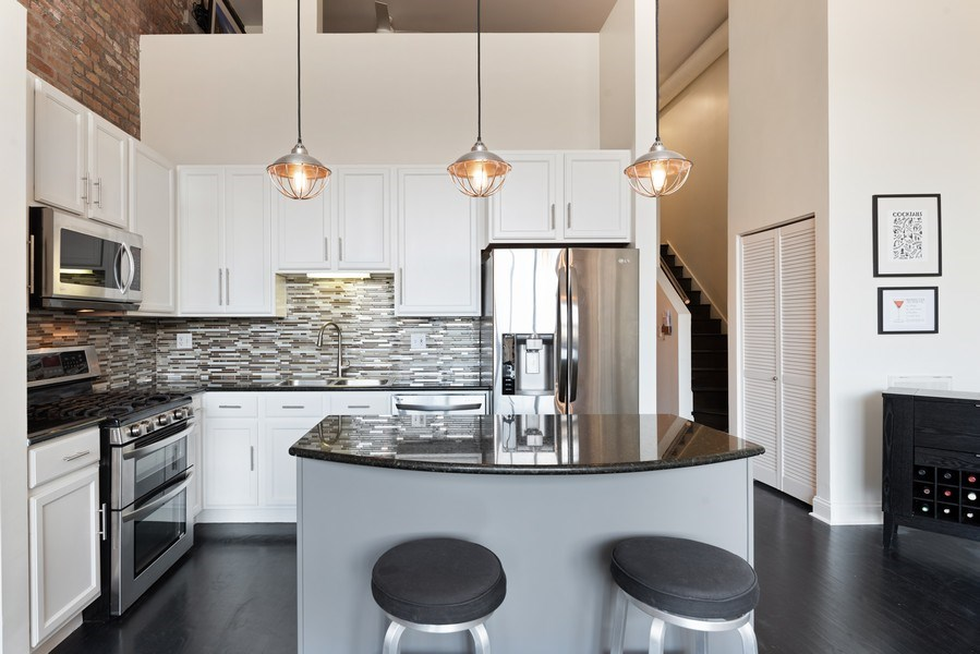 Real Estate Photography - 215 N. Aberdeen Unit 311A, Chicago, IL, 60607 - Kitchen