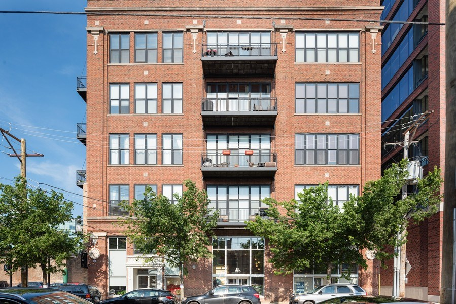 Real Estate Photography - 215 N. Aberdeen Unit 311A, Chicago, IL, 60607 - Front View
