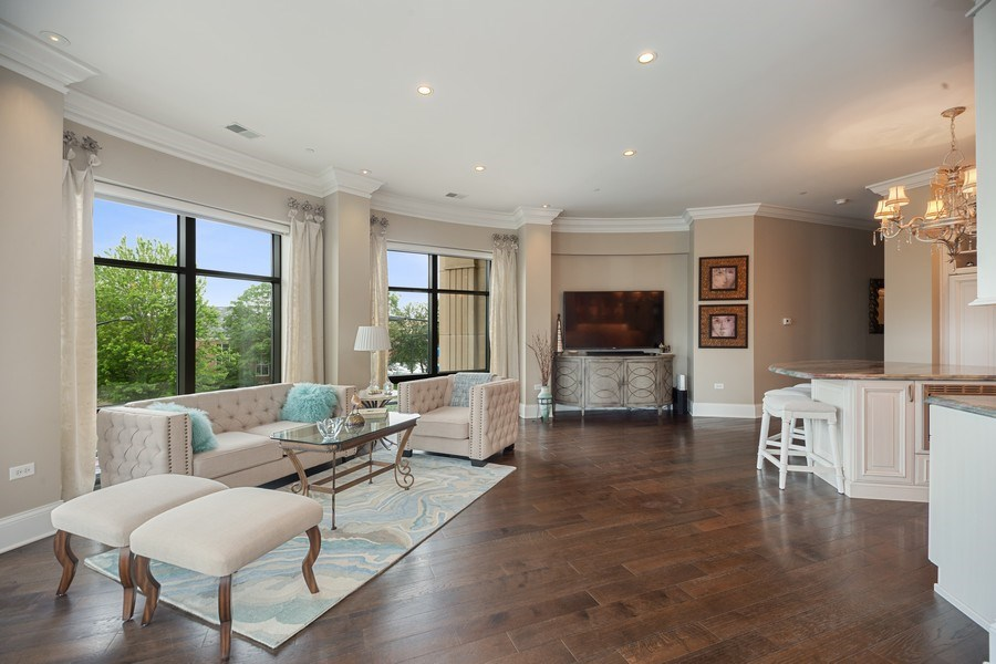 Real Estate Photography - 50 N Northwest Hwy, 208, Park Ridge, IL, 60068 - Living Room