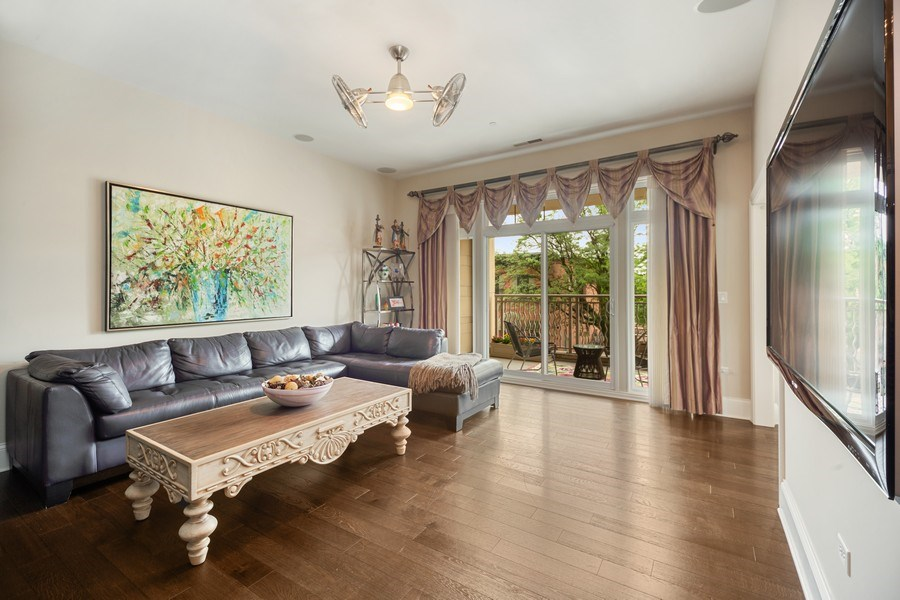 Real Estate Photography - 50 N Northwest Hwy, 208, Park Ridge, IL, 60068 - Family Room