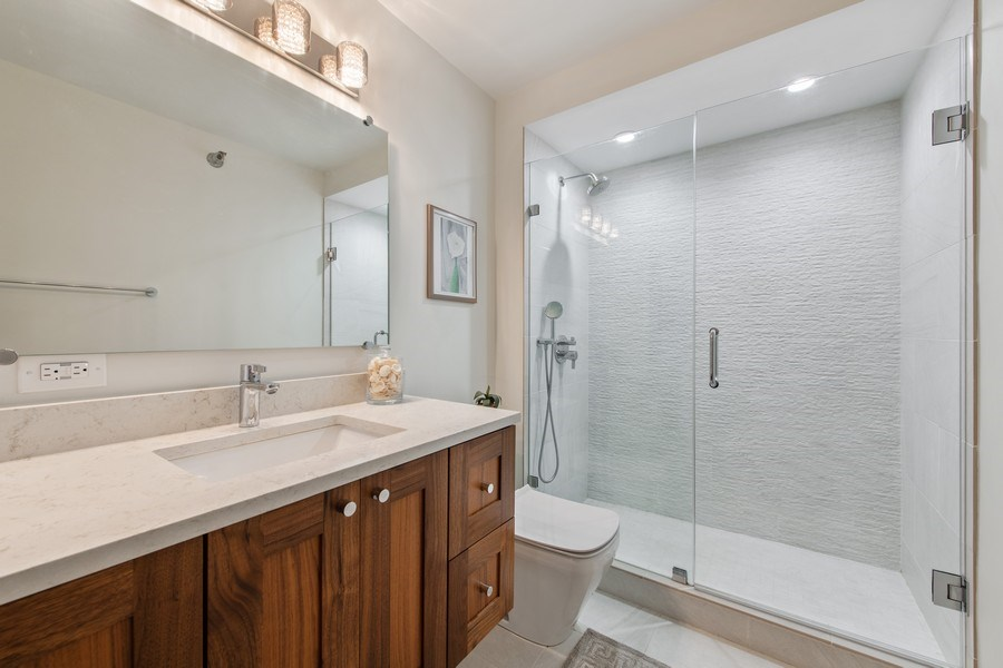 Real Estate Photography - 195 N Harbor Dr, 1209, Chicago,, IL, 60601 - Master Bathroom