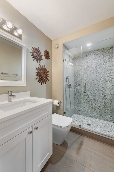 Real Estate Photography - 195 N Harbor Dr, 1209, Chicago,, IL, 60601 - Bathroom