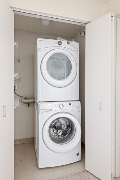 Real Estate Photography - 2 E Erie, 3207, Chicago, IL, 60611 - Laundry Room