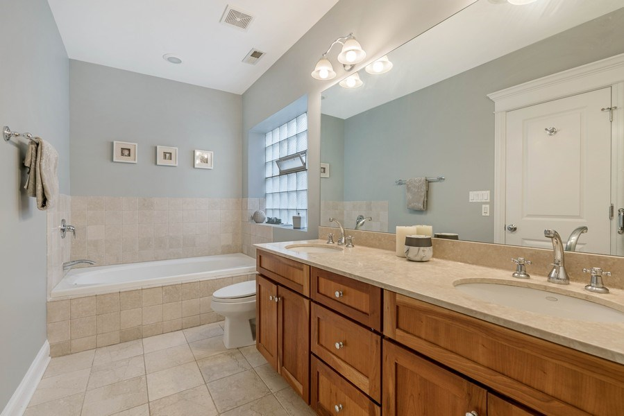 Real Estate Photography - 848 W Roscoe #3, Chicago, IL, 60657 - Master Bathroom
