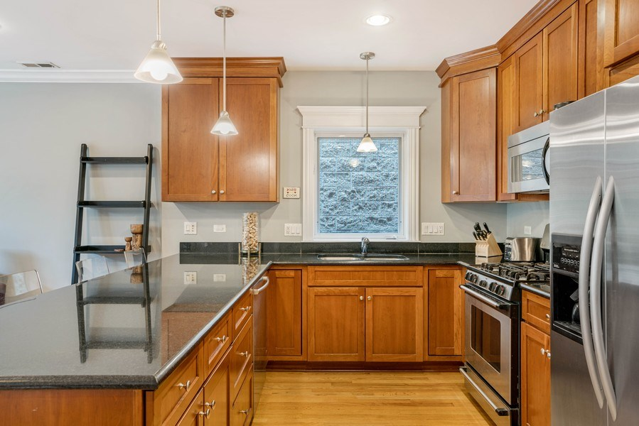 Real Estate Photography - 848 W Roscoe #3, Chicago, IL, 60657 - Kitchen
