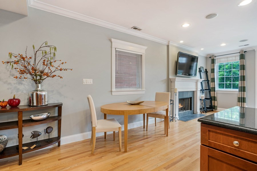 Real Estate Photography - 848 W Roscoe #3, Chicago, IL, 60657 - Dining Area