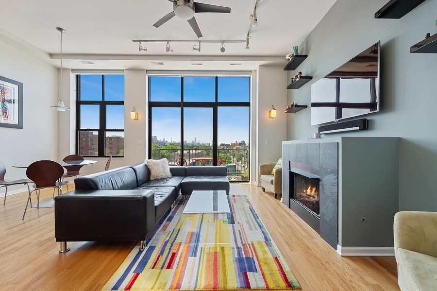 Real Estate Photography - 3631 N Halsted Street #512, Chicago, IL, 60613 - Living Room